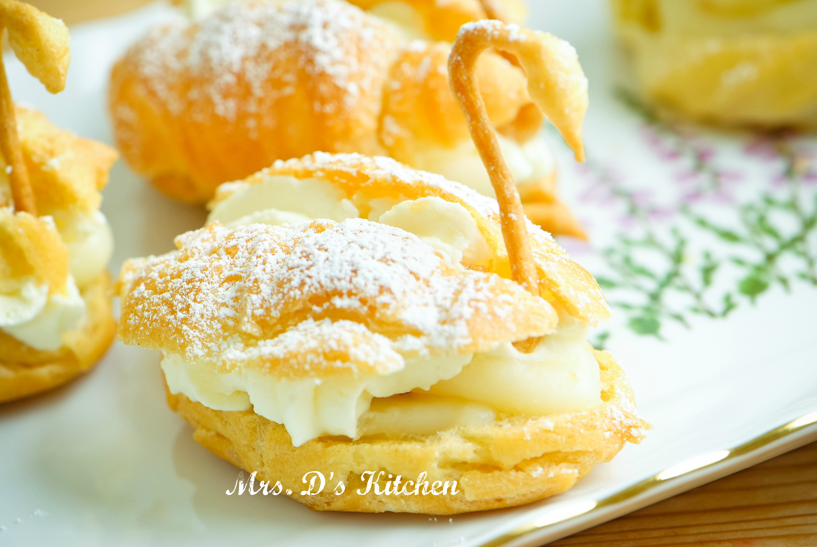 Kue Sus (Choux Pastry with Pastry Cream Filling) | Ridha's Kitchen